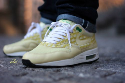 low priced ae6ef 37e3c Nike Air Max 1 - Lemonade Nike Air Max, Air Max 1, ...