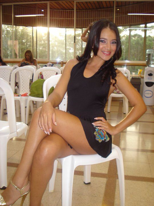 Sexy colombian girl amateur