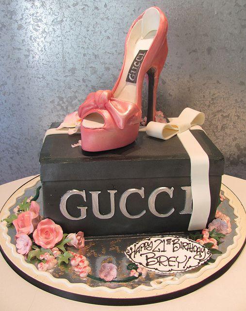 Creative idea Gucci birthday cake Gucci pinataGlamLuxePartyDecor