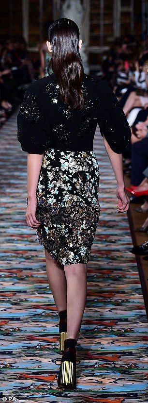 Elizabeth Olsen wears an elegant lace minidress to Dior Cruise Show at Blenheim Palace | Daily Mail Online
