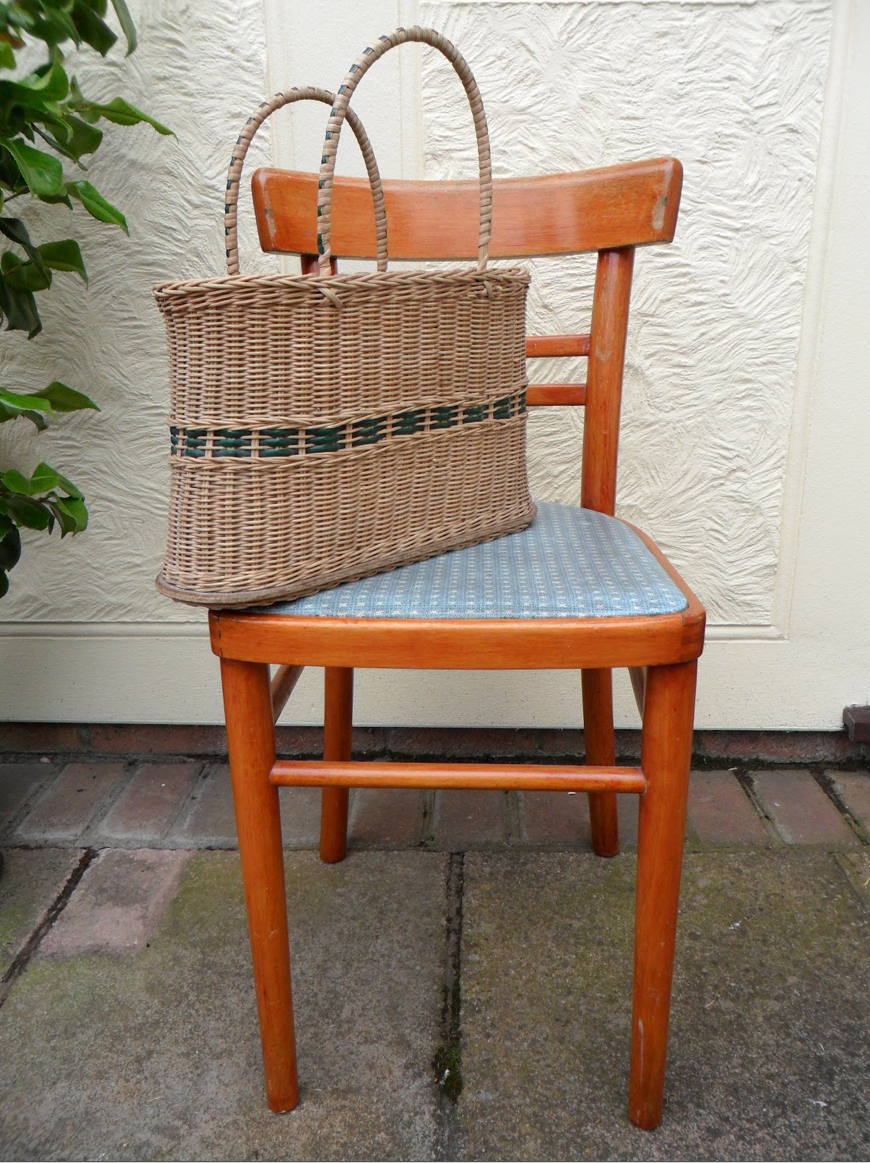 Vintage kitchen chair Vintage kitchen, Chair, Dining chairs
