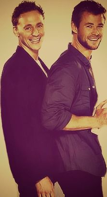 Tom Hiddleston + Chris Hemsworth =  ♡
