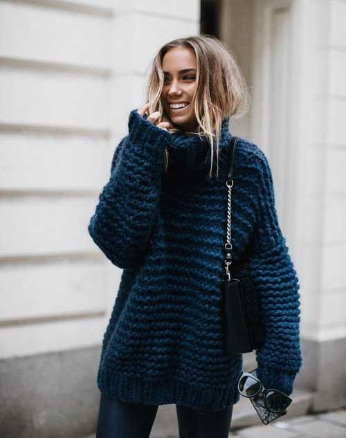 blue-chunky-oversized-sweater- How to wear the oversized sweaters ...