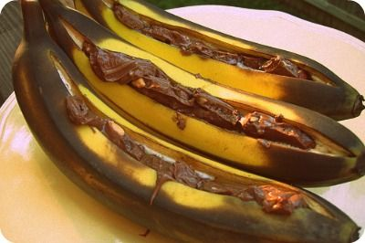 Grilled Bananas with Milk Chocolate