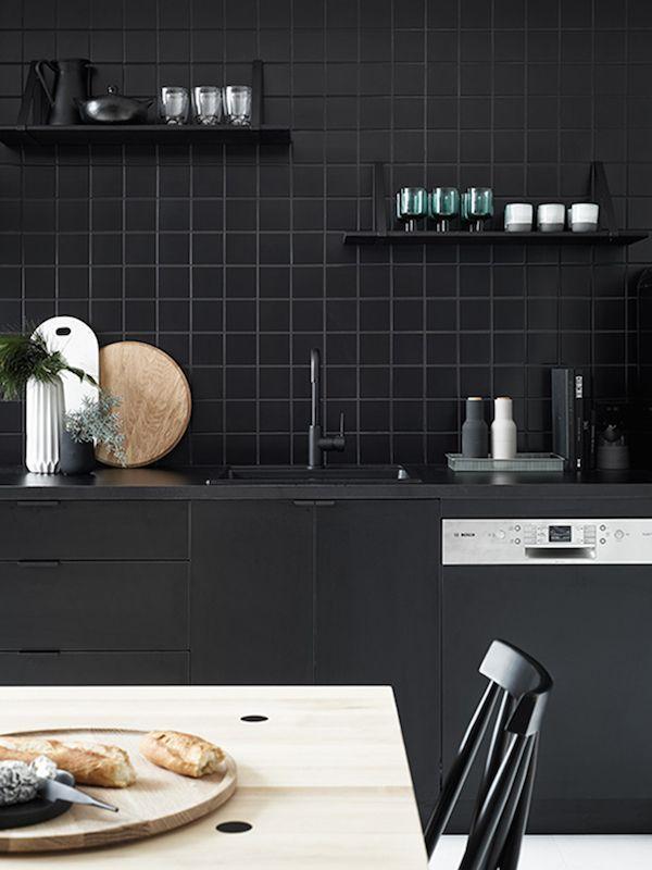 A Scandinavian Style Black Kitchen. // Skandinavisch Dunkel: Der Neue Trend  Für Küchen Awesome Ideas