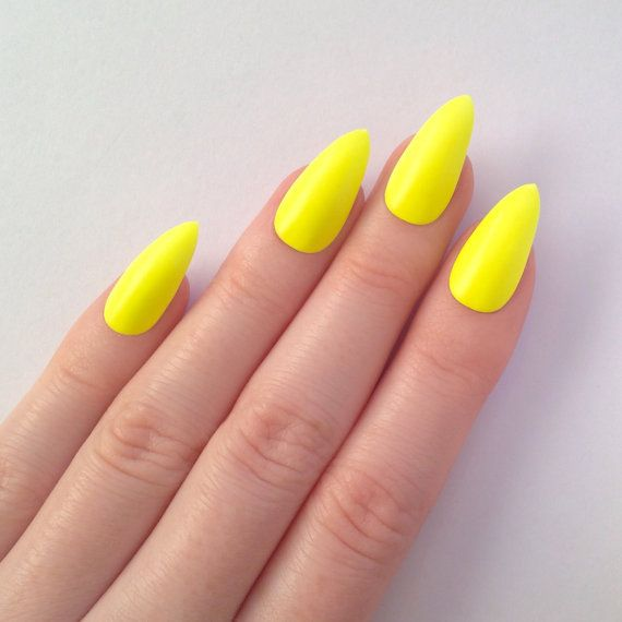 yellow matte nails ring finger silver or jewels | nails | Pinterest ...