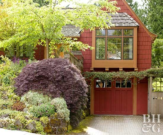 Great Garage Doors | Exterior paint colors for house ... on Choosing Garage Door Paint Colors  id=87051