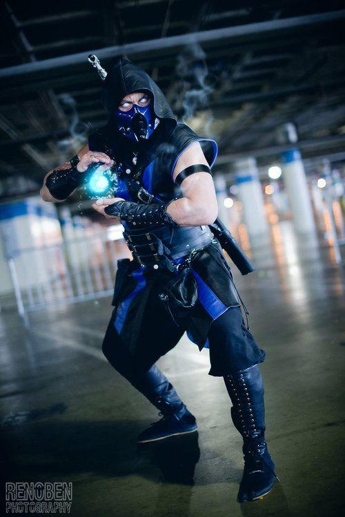 Sub-Zero (Mortal Kombat) cosplay