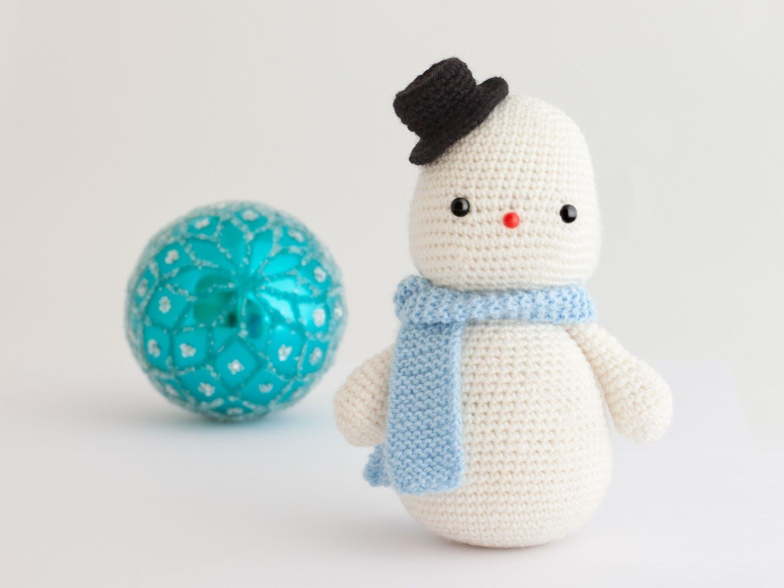 Amigurumi Snowman : Amigurumi snowman free crochet pattern tutorial christmas
