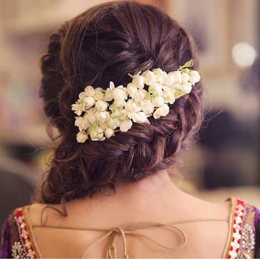 15 Easy Ways To Include Gajra In Your Hairstyle This Wedding Season Bridal Hairdo Long Hair Styles Indian Wedding Hairstyles