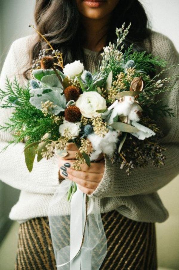 Rustikaler Blumenstrau mit Grn und Wei  Wedding Inspo