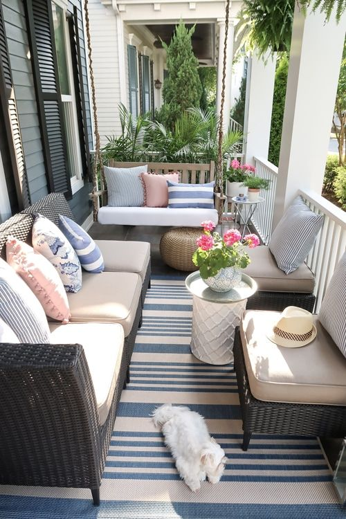Small Front Porch Decorating: 6 Unique Ideas for Summer #smallporchdecorating