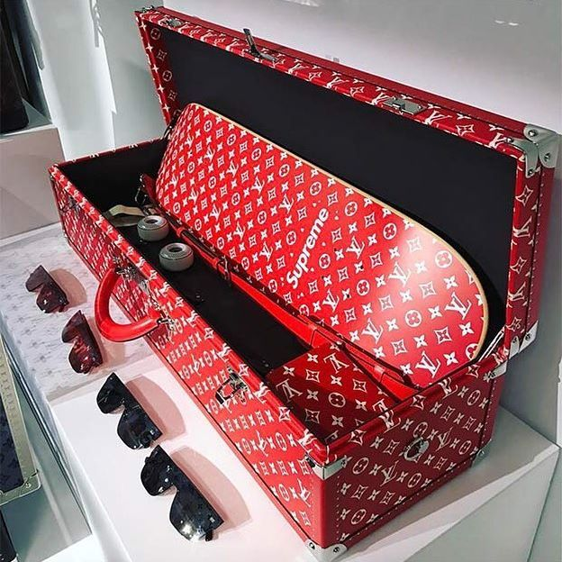 8f54624b4aff Louis Vuitton x Supreme Trunk