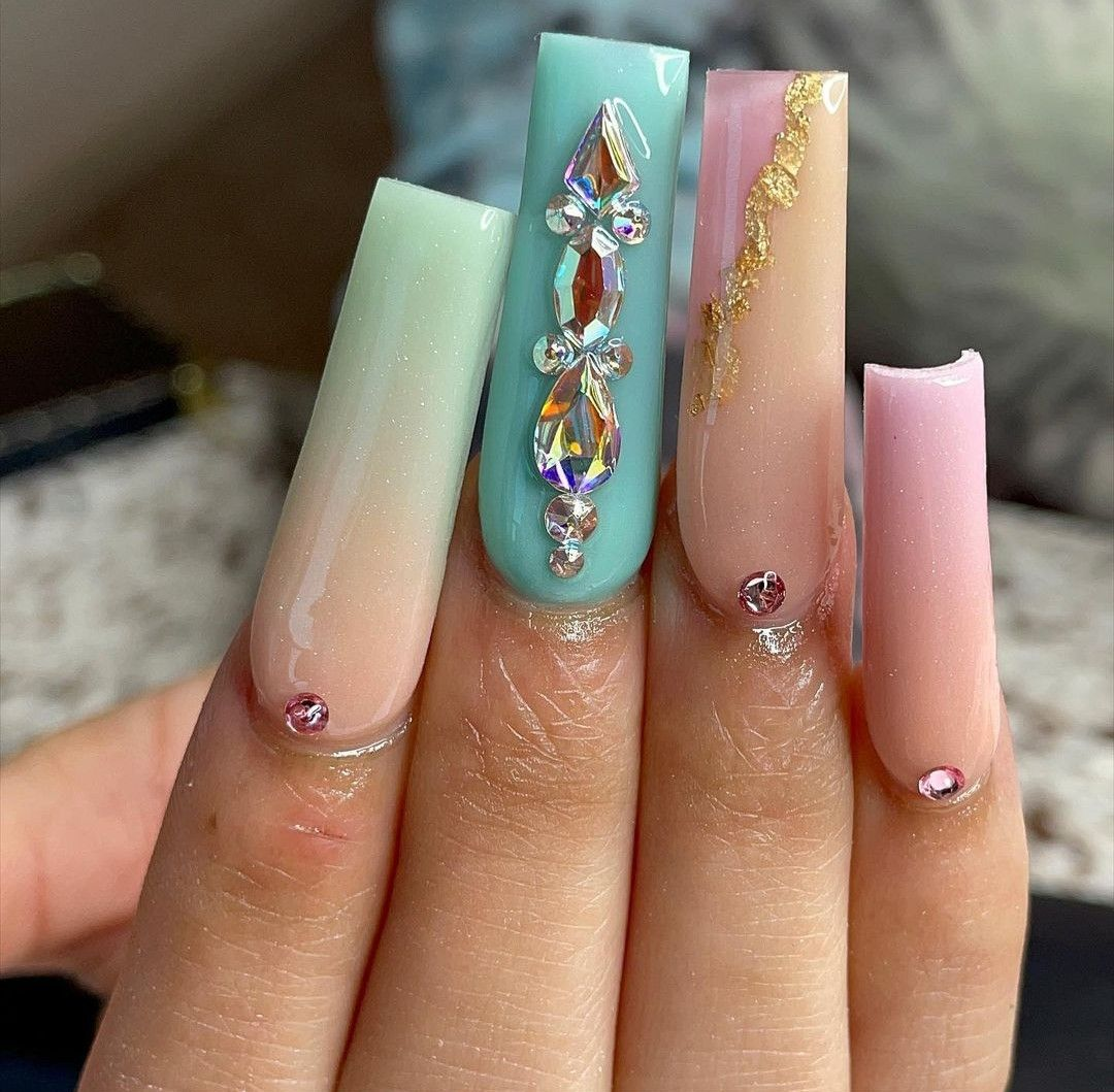 Pin by karlie🦋 on clawdeen wolf | Pink chrome nails, Kylie nails, Long square nails