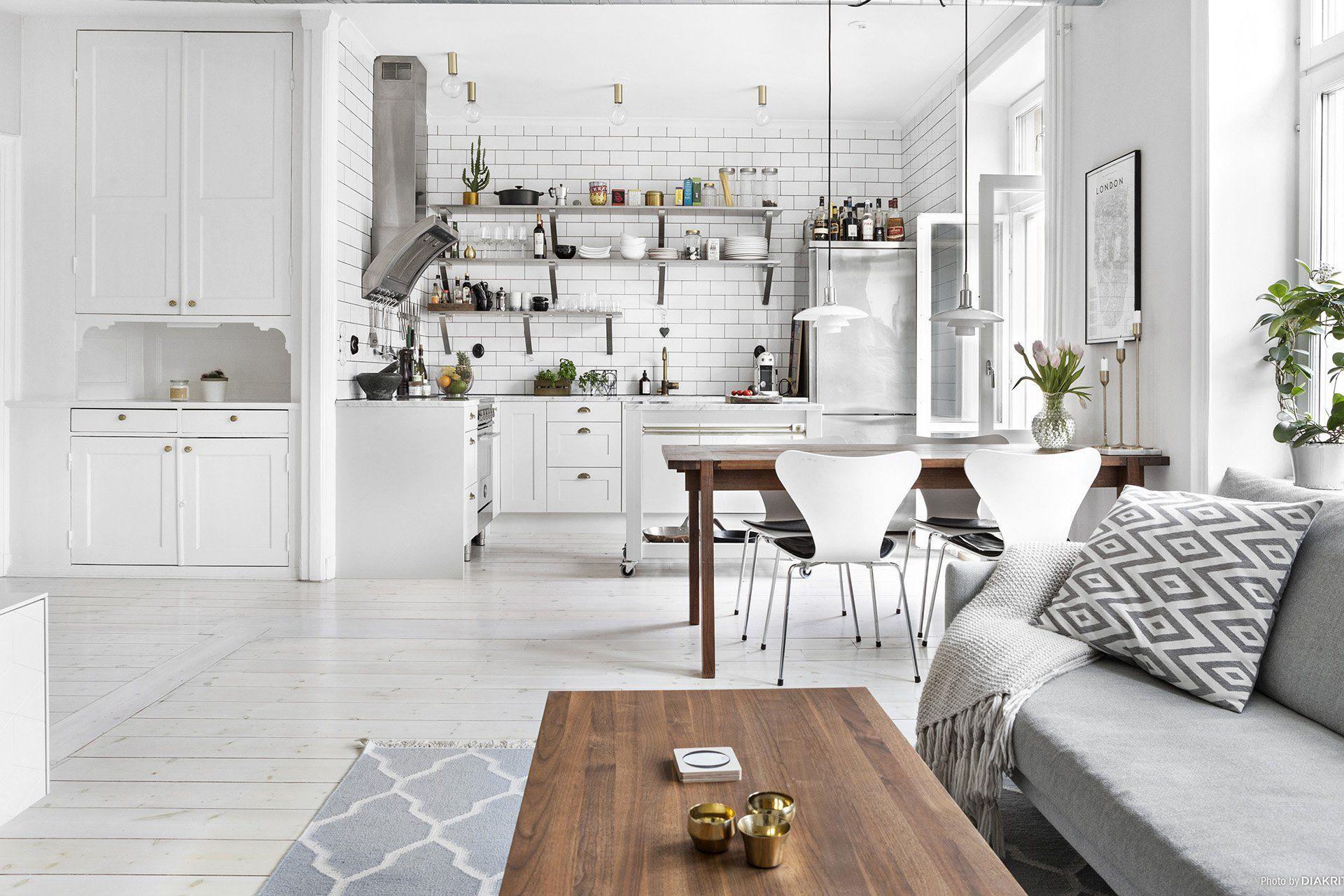 Funderar du på att lägga nytt golv? Vi listar för- och nackdelar med respektive golv, så blir det enklare att göra ett bra - och hållbart val! - från början.