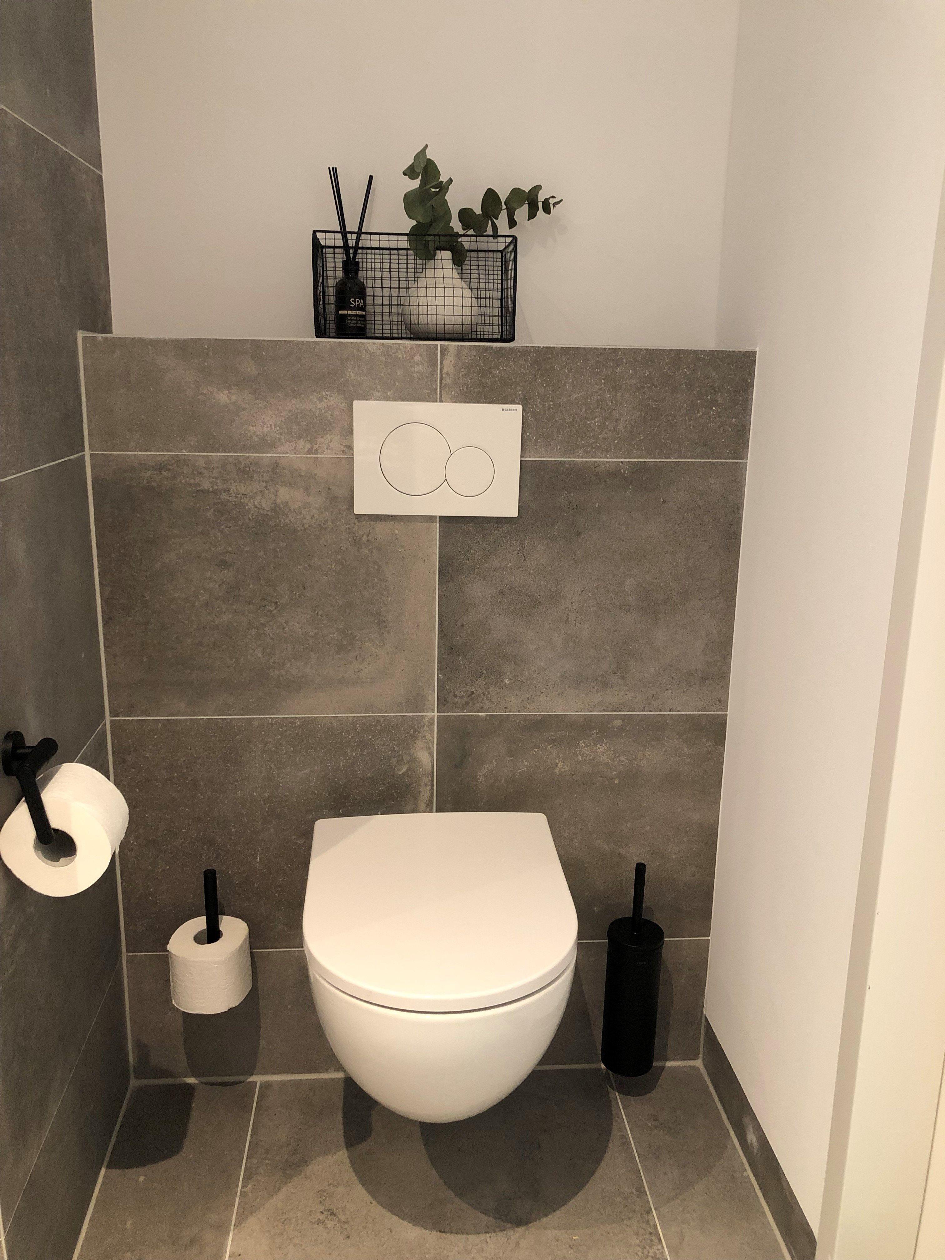 Pin Op Toilet