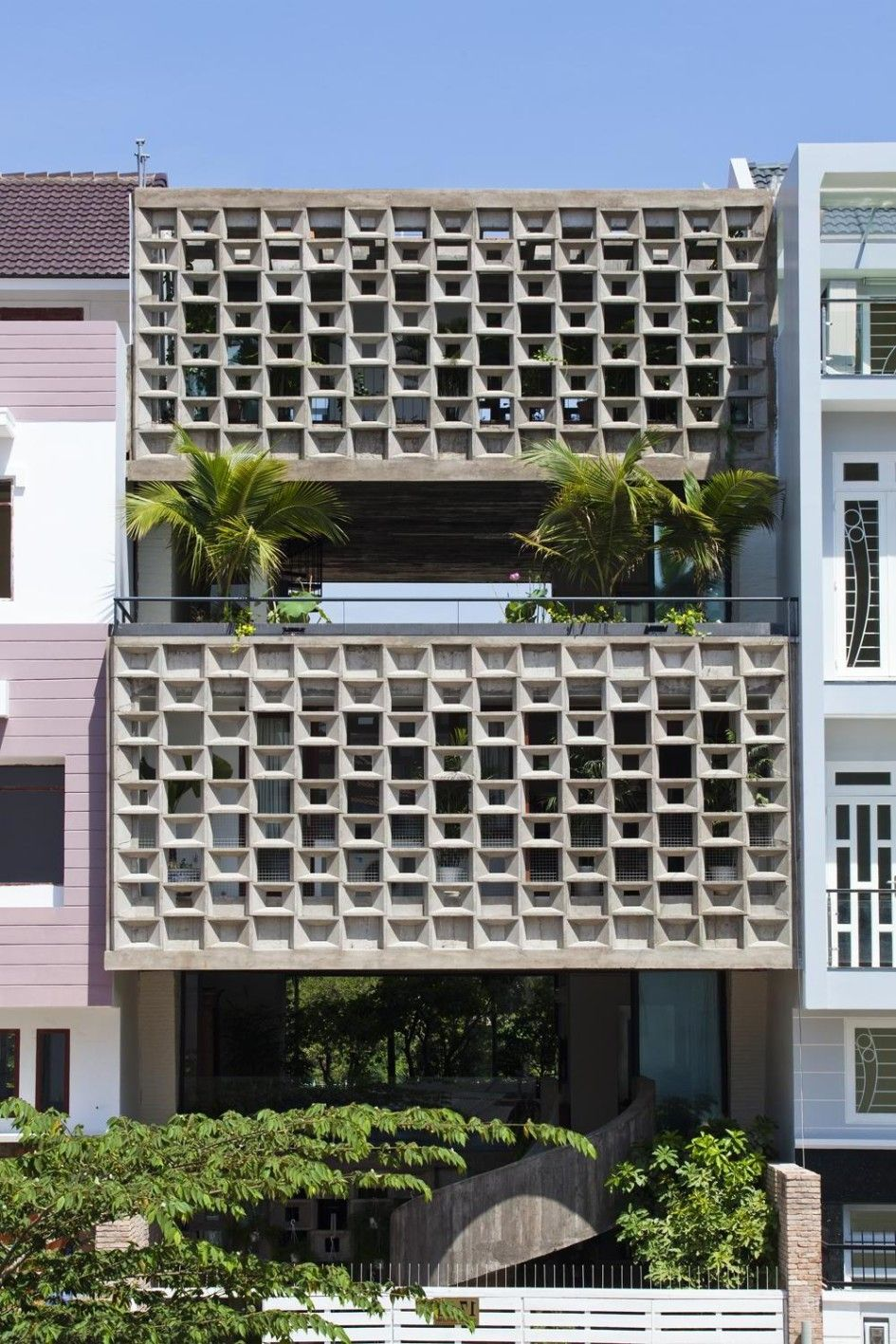 Tropical House Facade With Eco Friendly House Design