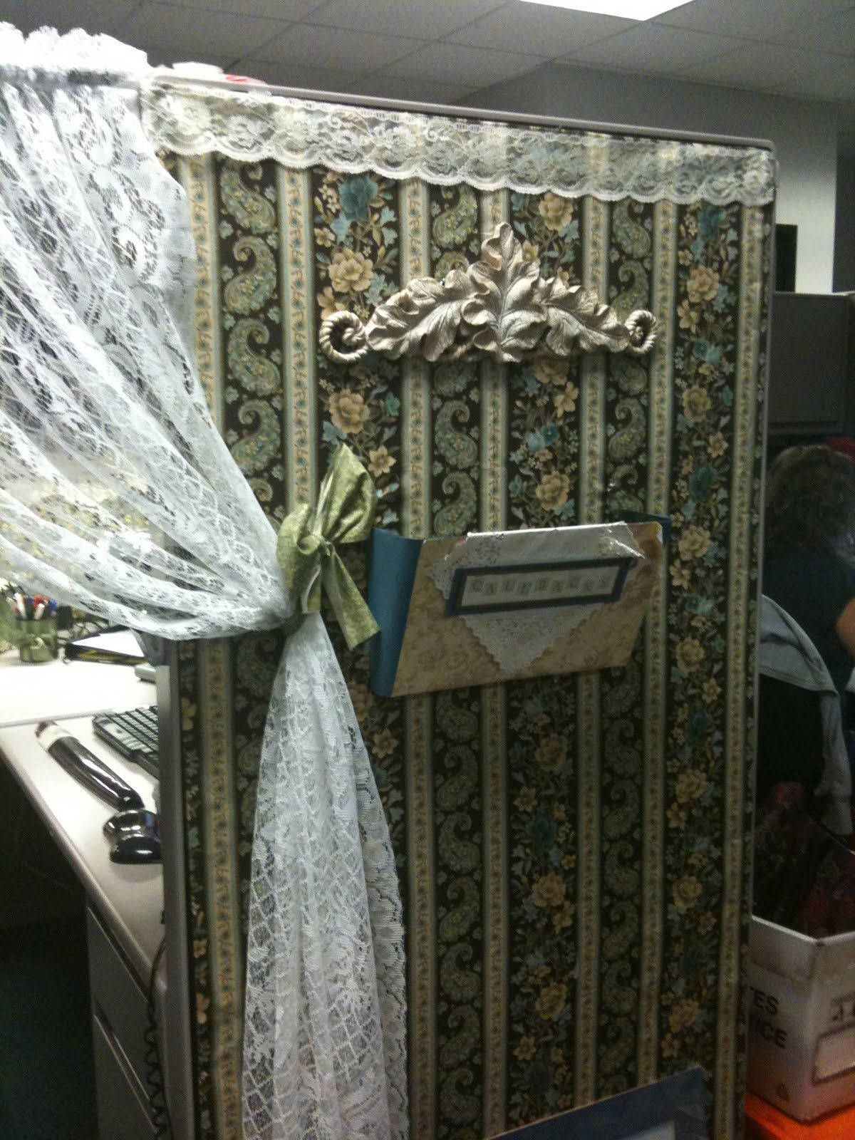 Cubicle Sweet Cubicle Yes, it\u0027s always a question of mindset! A - Cubicle Halloween Decorations