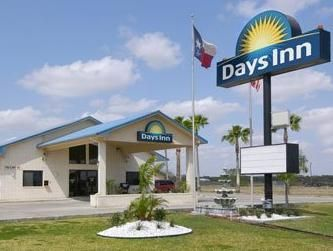 Set In A Prime Location Of Falfurrias Tx Days Inn Puts Everything The City Has To Offer Just Outside Your Doorstep Hotel Offers Guests
