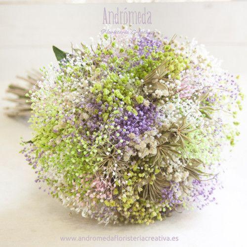 Ramo de novia estilo silvestre hecho con flores secas y preservadas - flores secas