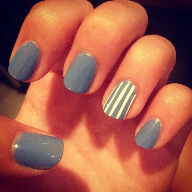 accent nail design | The Accent Nail | Dormify #grey #nails #nails grey #rallas #uñas #diseñouñas