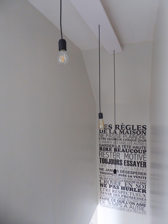 vue lumi re descente d 39 escalier avec sticker murale les r gles de la maison nos. Black Bedroom Furniture Sets. Home Design Ideas