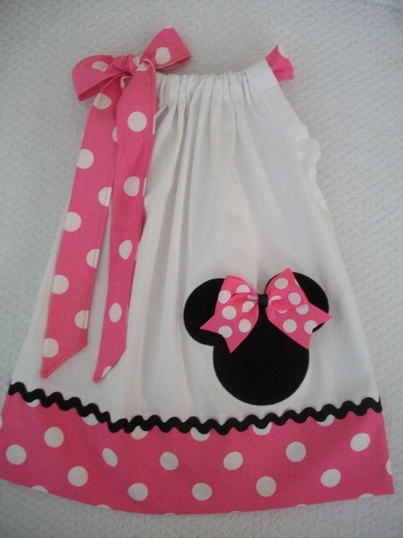 8e4a9e7f8c Funda de a lmohada de Minnie Mouse vestido bebé por amaritascloset Vestidos  Bebe Niña