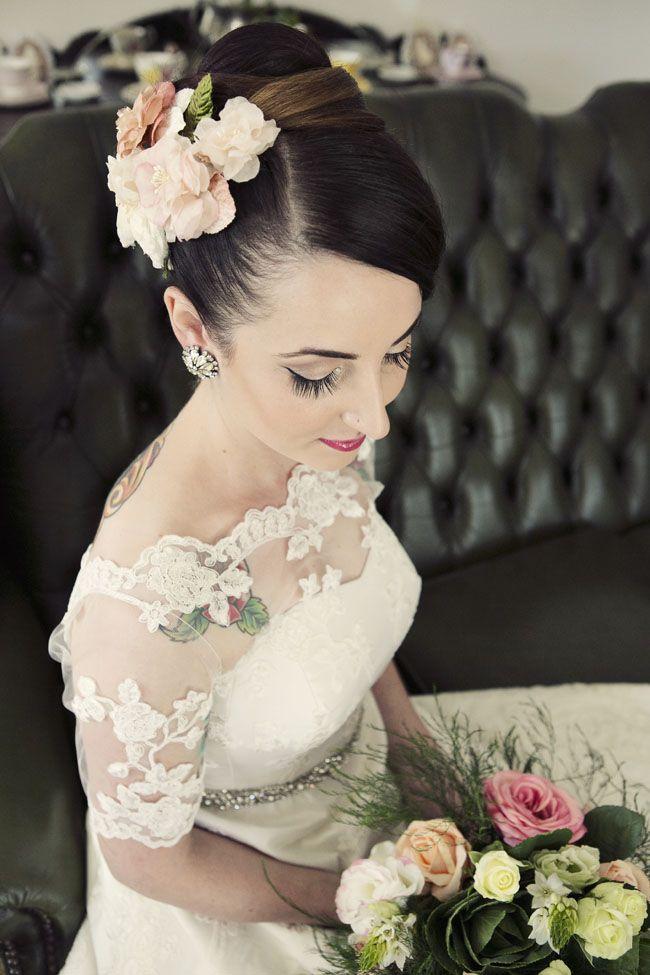 a thrift and homespun wedding jess bridal portrait http