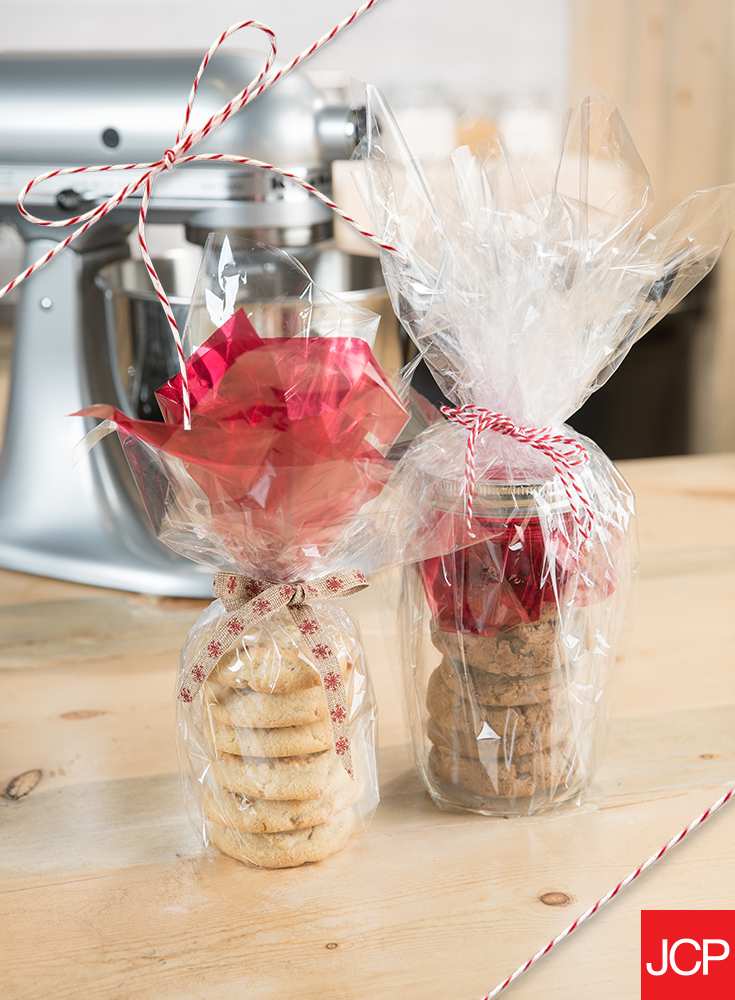 Cookies make the sweetest gifts for friends and coworkers alike. With the KitchenAid mixer in your culinary collection, you'll be whipping up batches and batches in less time – and money. Better yet: secure them with gift wrap and top them off with a festive bow for a personalized touch.