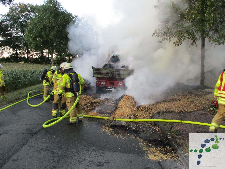 Am Montagabend Wurden Feuerwehr Und Polizei Zu Einem Brennenden
