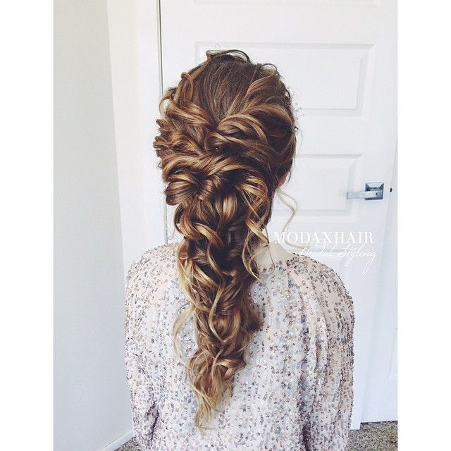 2016 Trends For Prom Hairstyles Deconstructed Messy Braids Curls Natural Vs Super Polished Look Curly Hair Styles Hair Styles Short Curly Hair