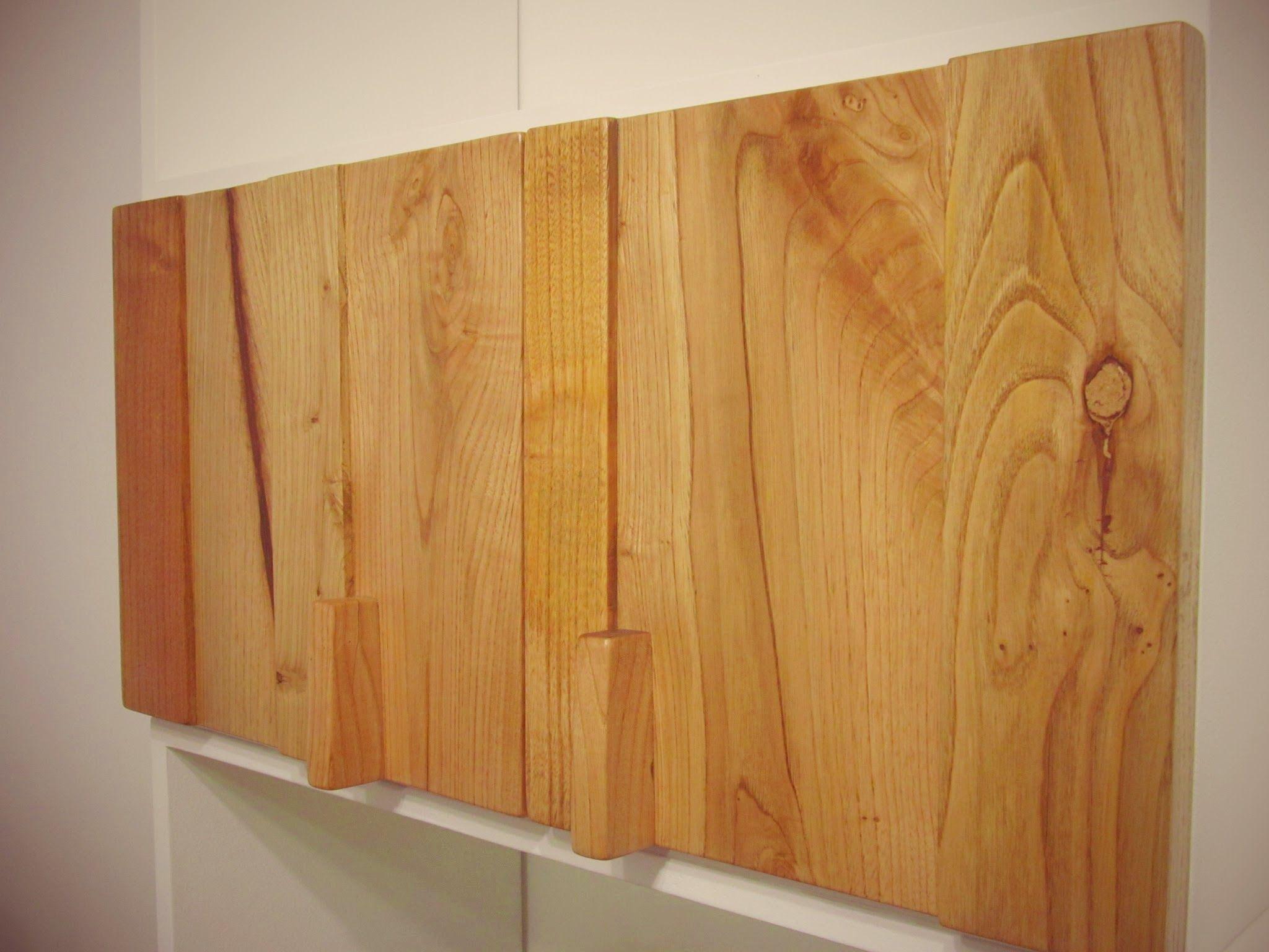 Puerta construida con retazos de madera de casta o textura estante pinterest - Puertas de castano ...