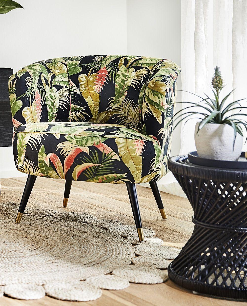 Tropical Vibes In Dieser Wunderschonen Leseecke Herrscht Tropisches Ambiente Der Super Stylische Sessel Ella Mit