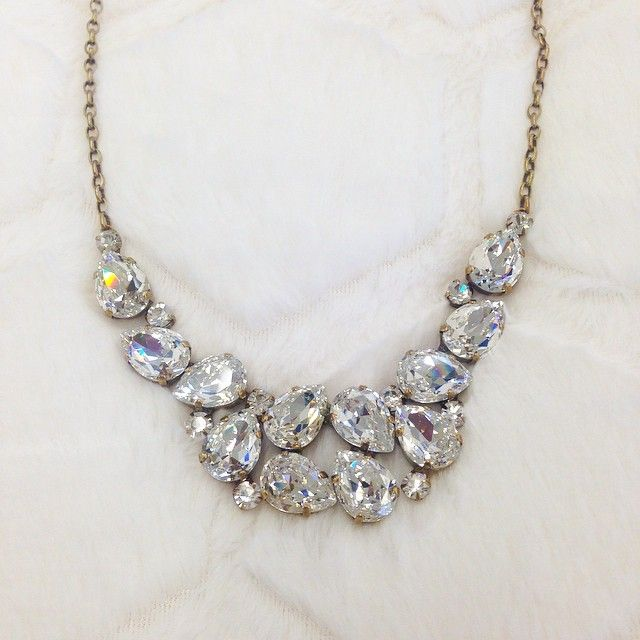 So much sparkle! This is the statement necklace we need.