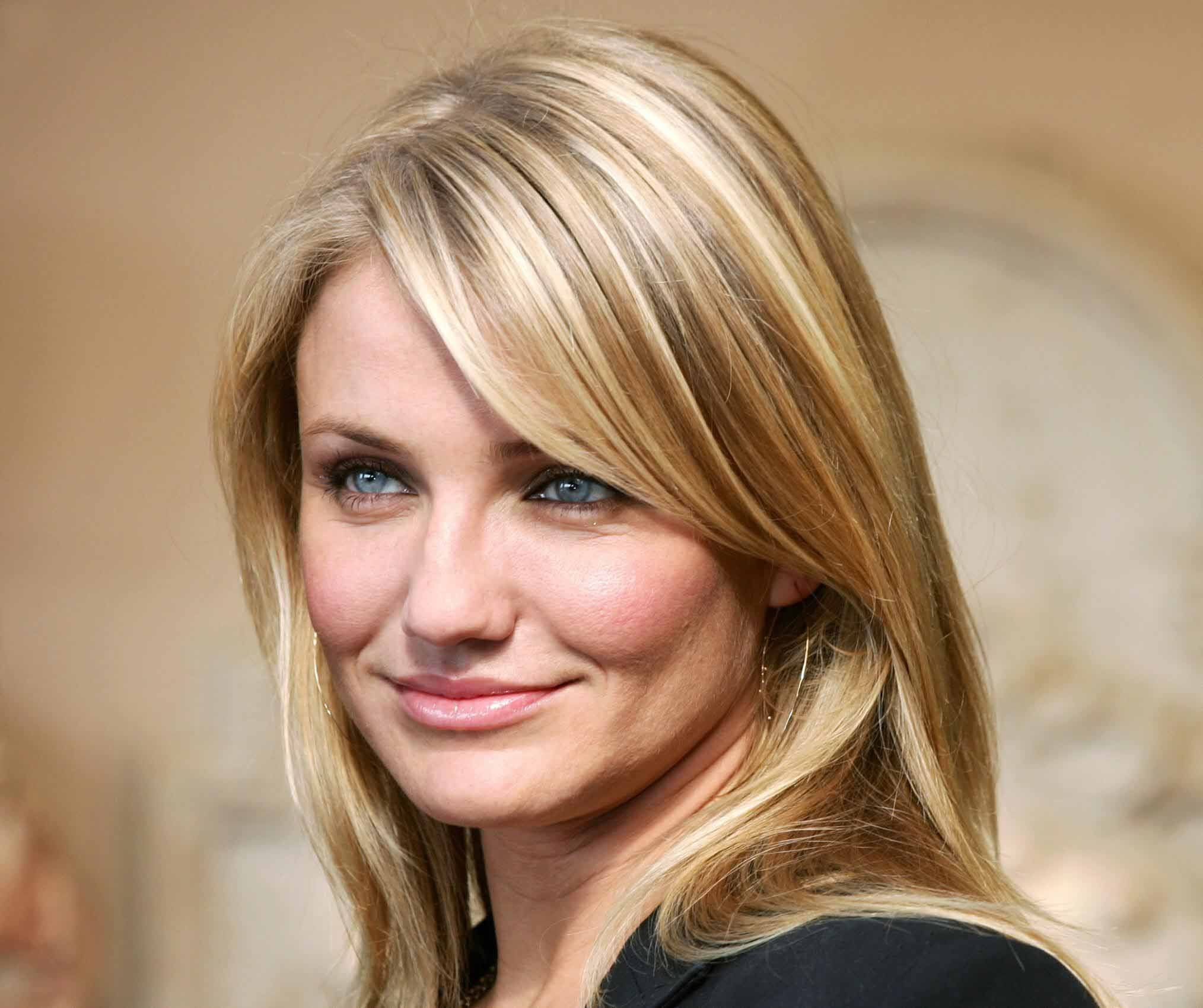 Cameron Diaz Hair In The Holiday Google Search Cameron Diaz Hair Hair Styles Cool Hairstyles