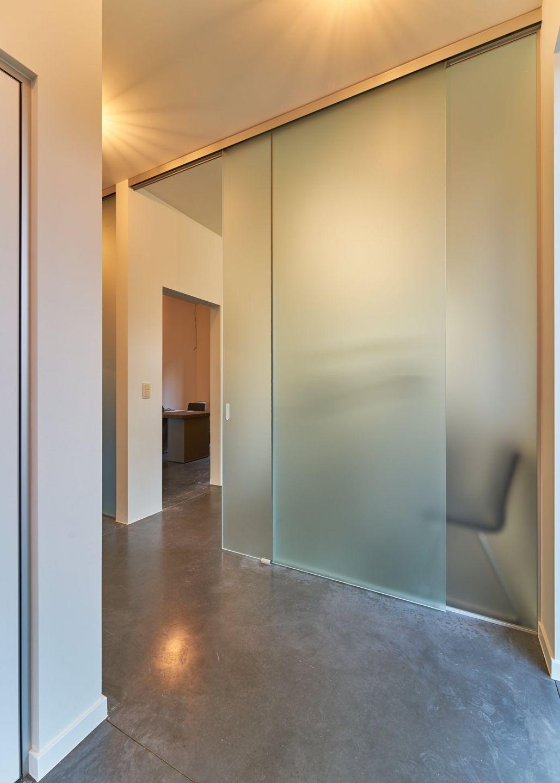 Scheidingswand Met Schuifdeur.Mat Glazen Scheidingswand Met Glazen Schuifdeur Bathroom In 2019