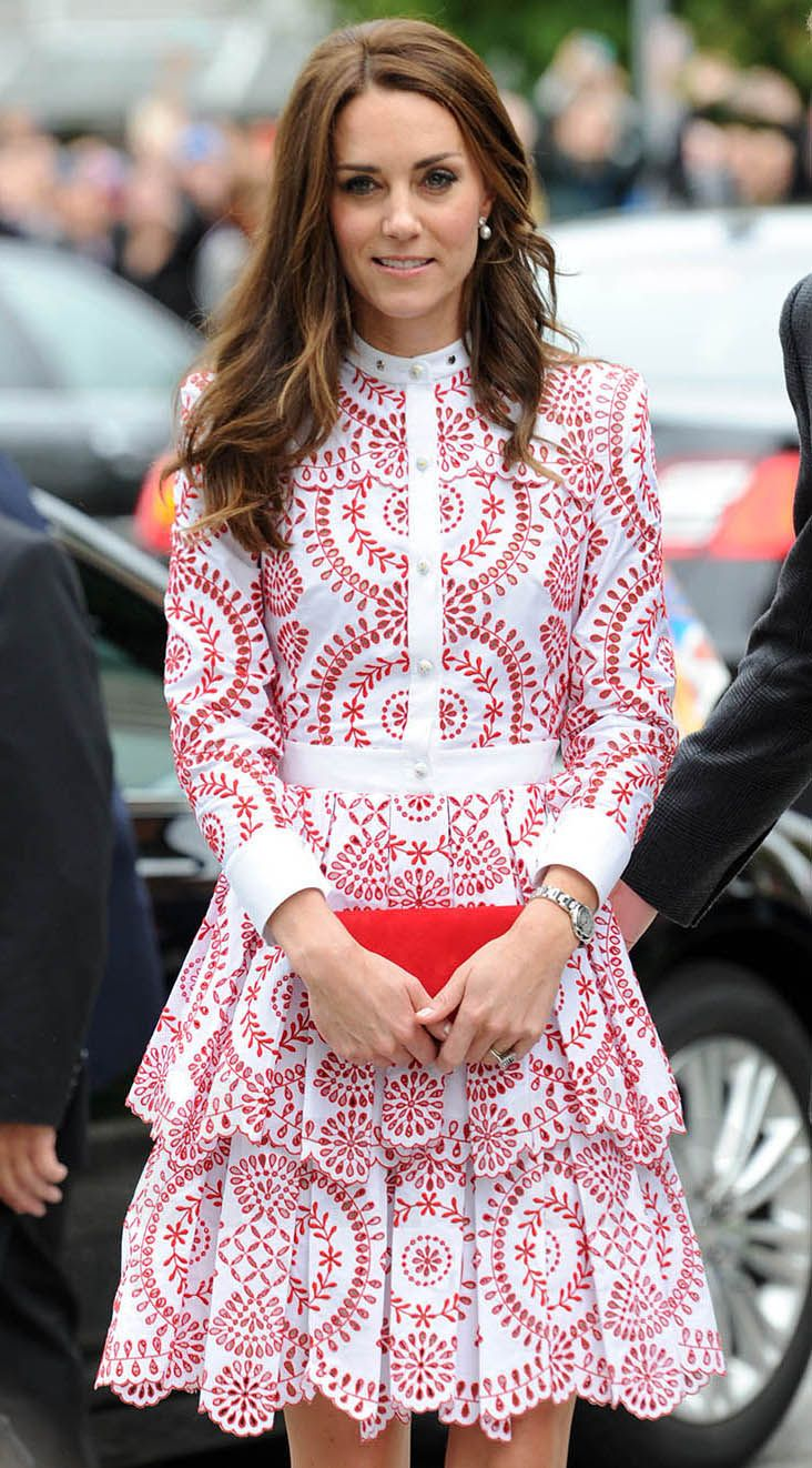 Kate Middleton Wears A £4000 Alexander McQueen Dress Stepping Off A ...