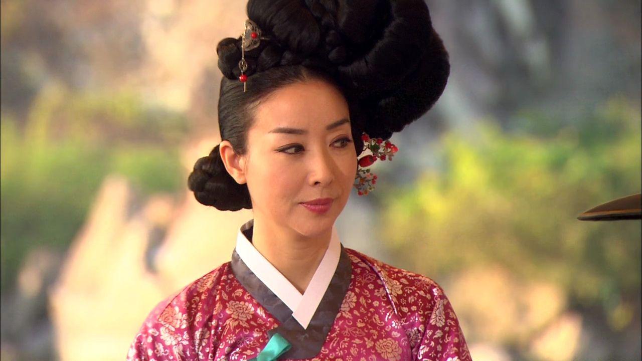 korea, joseon dynasty, gisaeng style, eon' jun meori | traditional
