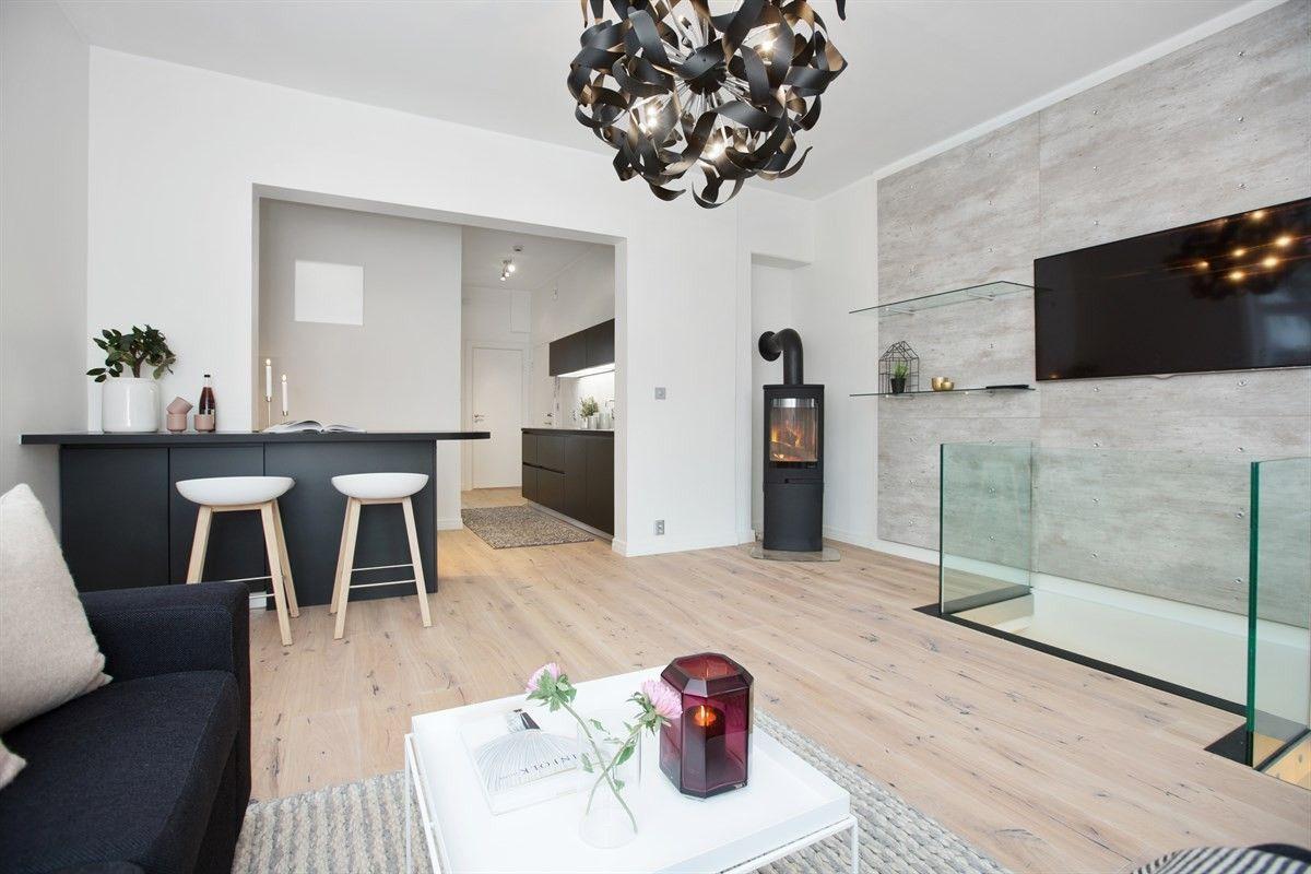 FINN – FROGNER- Lekker leilighet over 2 plan i sjarmerende sveitservilla. Høy standard og parkering!