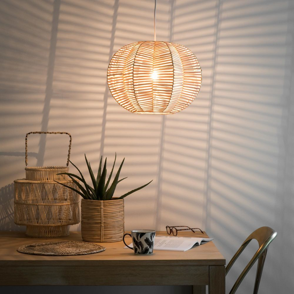 Hängelampe aus perforiertem Rattan  Maisons du Monde  Lampen