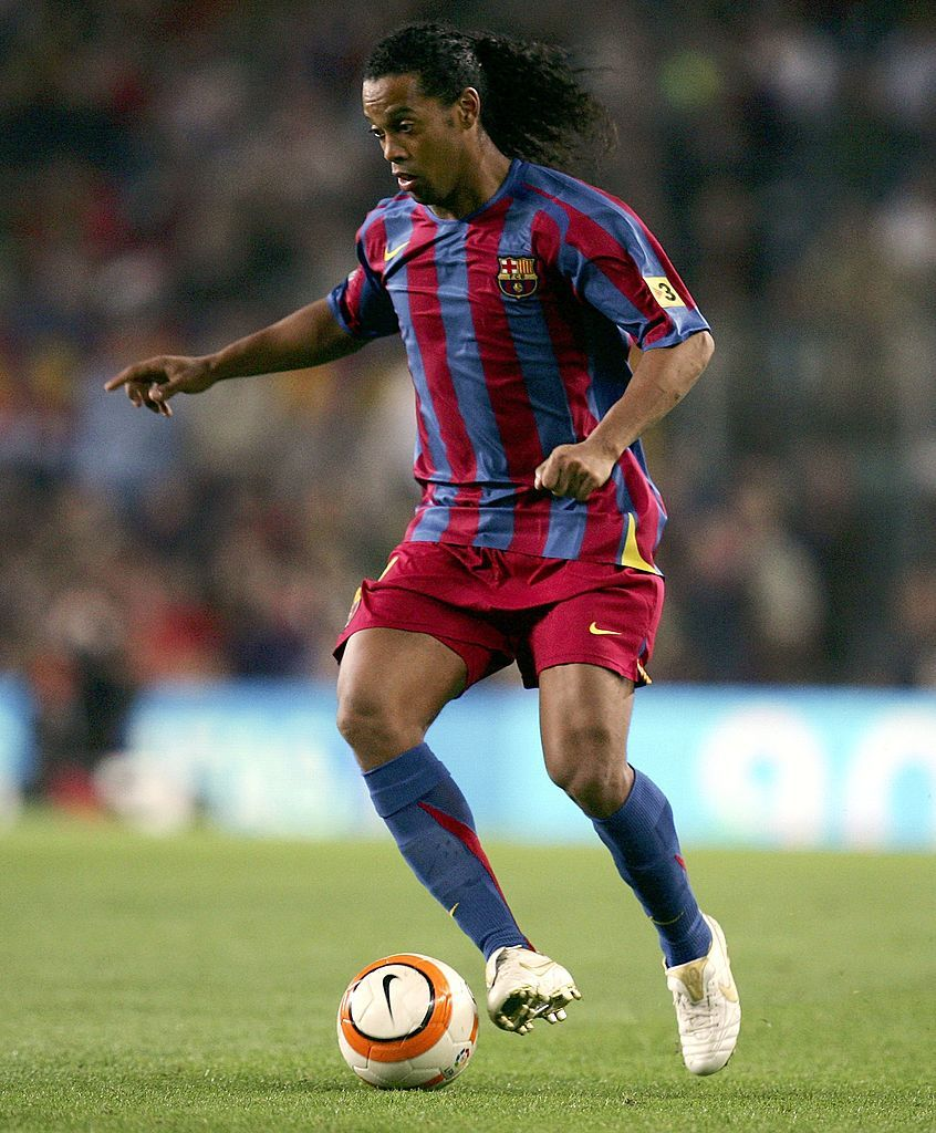 Ronaldinho Of Barcelona Brings The Ball Forward During The Primera Barcelona Football Is Life Lionel Messi Barcelona