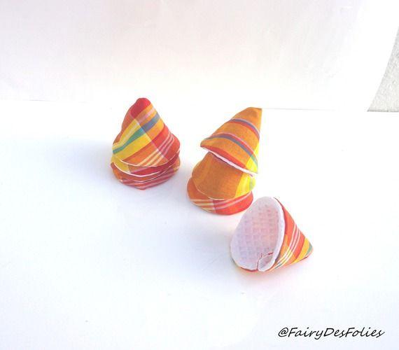 Cadeau écologique pare pipi lavable tissus madras Réunion lot de 8 (cône à pipi, tipi à pipi)