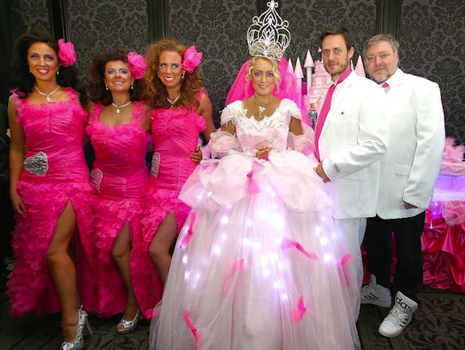 Matrimonio Gypsy Us : The search for ugliest wedding dress ever created
