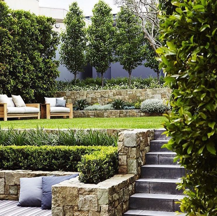 Landscaping Ideas For Sloped Front Yard: Two Tiered Landscape