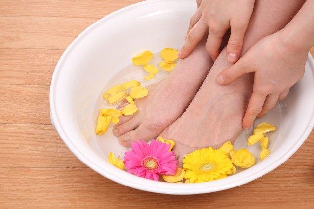 最近、足がだるくて疲れやすい…履いている靴が窮屈に感じる…もしかすると、それは「開張足(かいちょうそく)」が原因かもしれません。 この開張足は、現代女性の多くが抱えている足トラブルです。放っておくと症状が悪化し、最悪の場合には手術する必要さ...