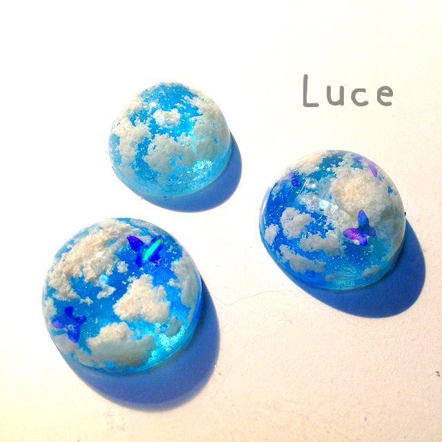 """ハンドメイド*Luce on Twitter: """"久々の雲!夏空っぽくしたいなぁ。 あと試しに入れてみたピカエースさんの蝶オーロラが綺麗!!(*´◒`*)…"""