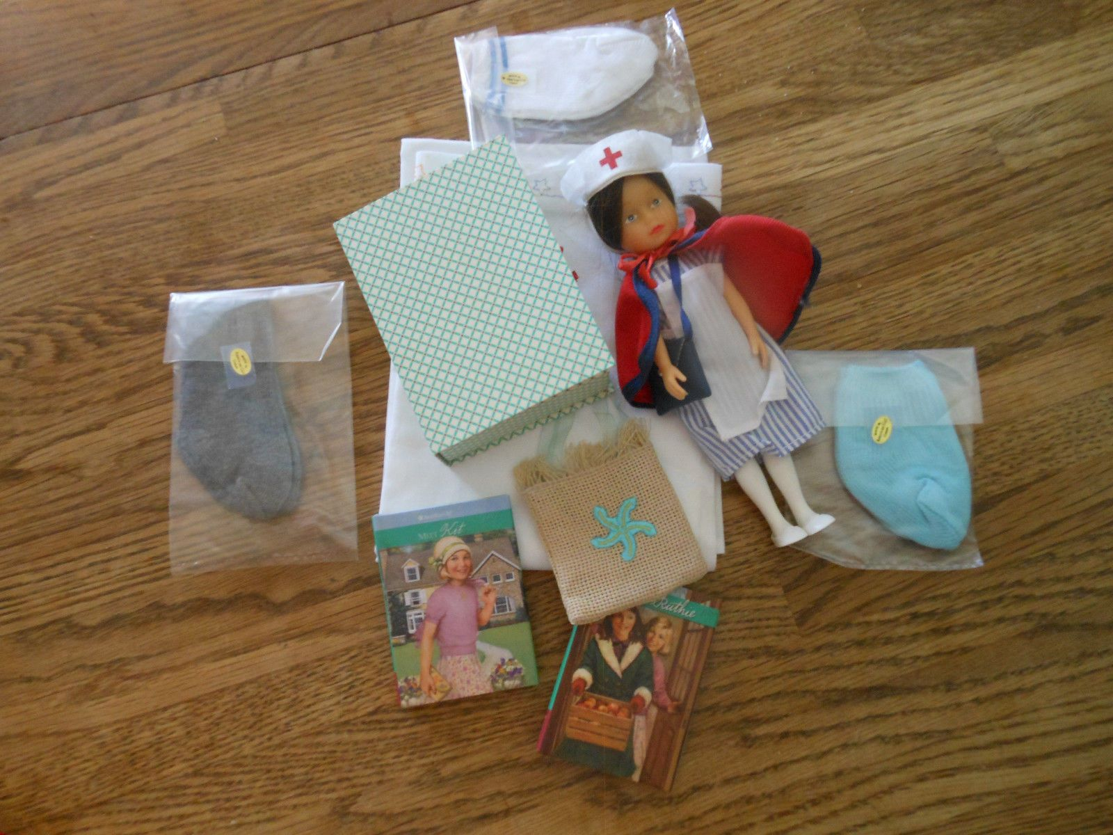 American Girl Doll - Lot of accessories https://t.co/DYCAYjbx66 https://t.co/0uHp1rOKAo