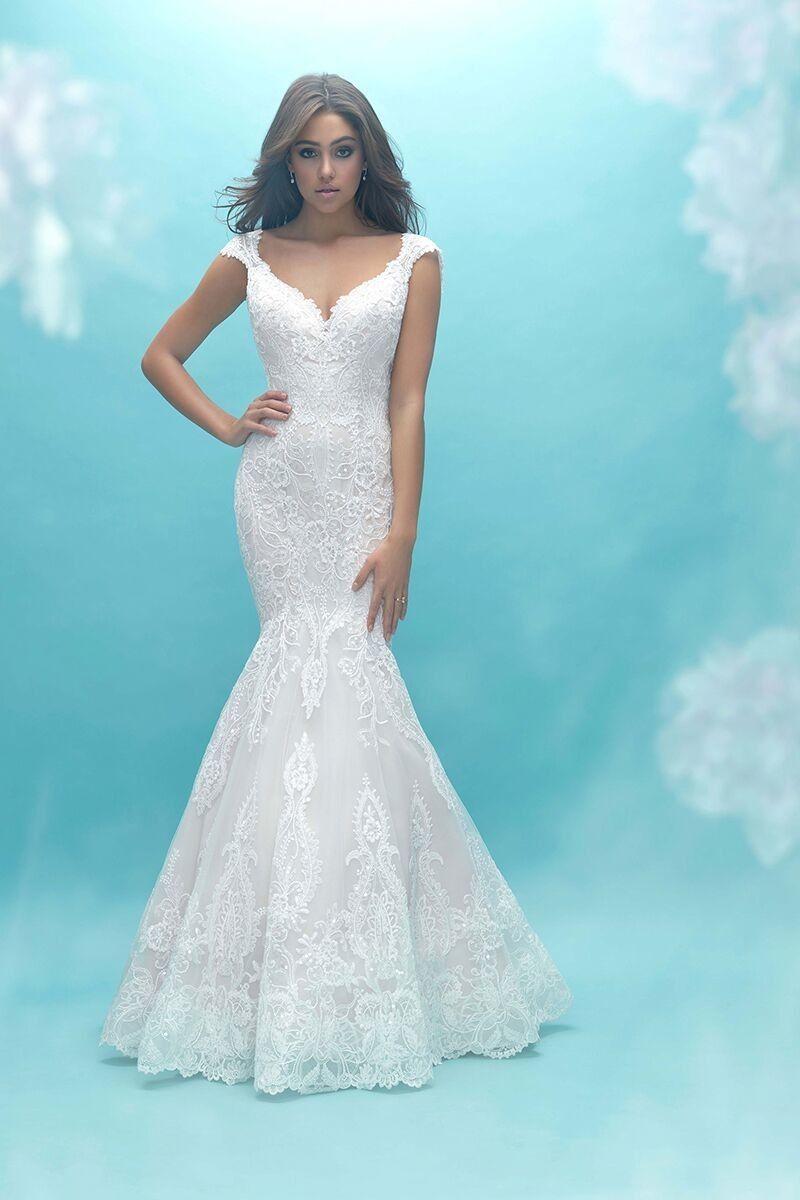 9471 Mermaid Wedding Dress By Allure Bridals Weddingwire Com Allure Bridal Gowns Allure Wedding Dresses Allure Bridal [ 1200 x 800 Pixel ]