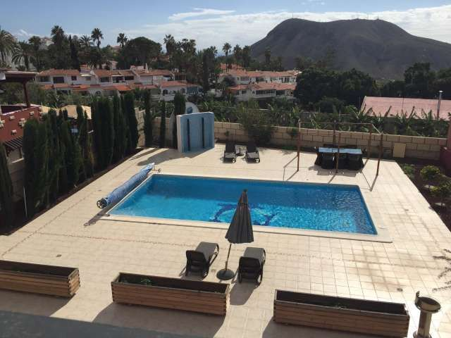 Espectacular villa independiente con terrazas, piscina, jacuzzi