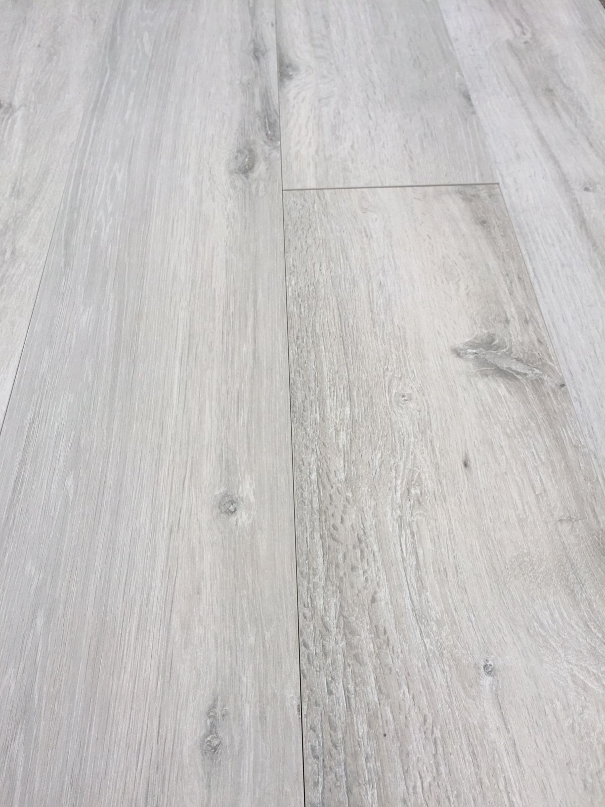 Grey Wood Effect Porcelain Tiles In Large Sizes Gutulia